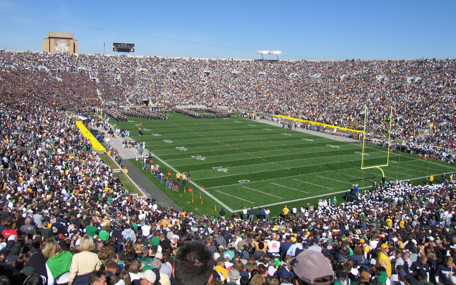 Some Interesting Stadium Facts OPENED 1930 SURFACE Kentucky Blue Grass COST 750000 CAPACITY 80795 RECORD